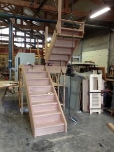 escalier-hetre-demi-tournant-atelier-fabrication-artisanal