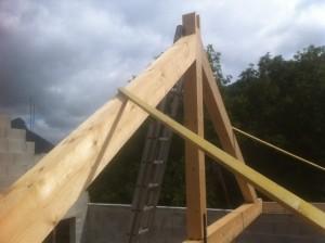 charpente-renovation-tuiles-mecanique-ferme-trditionelle-chichilianne