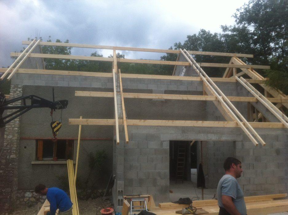clelles-charpente-renovation-arraser-toiture-taillage