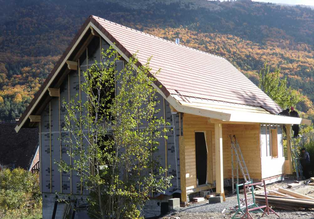 chantier-ossature-bois-chapente-traditionelle-joint-debout
