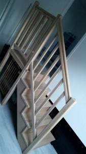 escalier-main-courante-palier-balustre-hêtre-vizile