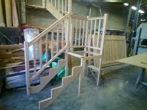 escalier-fabrication-palier-arivée-balustre-hêtre-vaulnavay