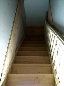 escalier-sapin-marche-meleze-quart-tournant-palier-lalley-renovation